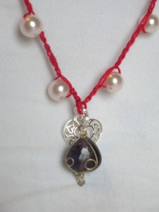 red glass bead crochet necklace 1